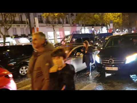 Paris / Champs Elysées le 11-11-2017 aux couleurs du Maroc -  😂😂 باريس استعمرت بنجاح
