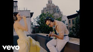 Lorde - Solar Power (Summer Storm Version / Rooftop Performance)