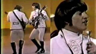 Paul Revere & the Raiders -The Smothers Brothers Show - 1967