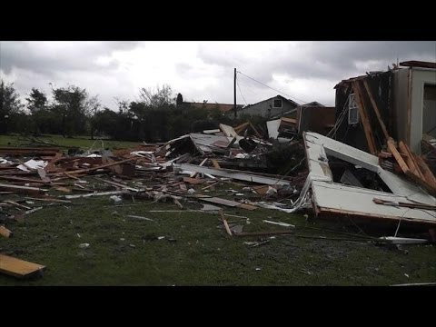 Series of new tornadoes hit southern United States