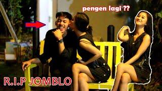 [17.55 MB] DICIUM CEWEK CANTIK BANGET BARU DI KENAL !!! AWAS JOMBLO IKUT BAPER !!!