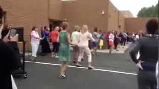 Dalton Elementary Staff Flash Mob to