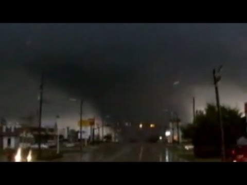 Mississippi Tornado Video 2013: State of Emergency Declared Across South