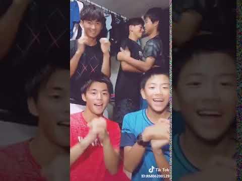 Tik Tok 面白動画12 男同士でキス イケメン