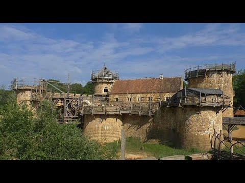 هل تكون قلعة غويديلون الفرنسية مفتاح نجاح إعادة بناء كنيسة نوتردام؟…  - نشر قبل 2 ساعة