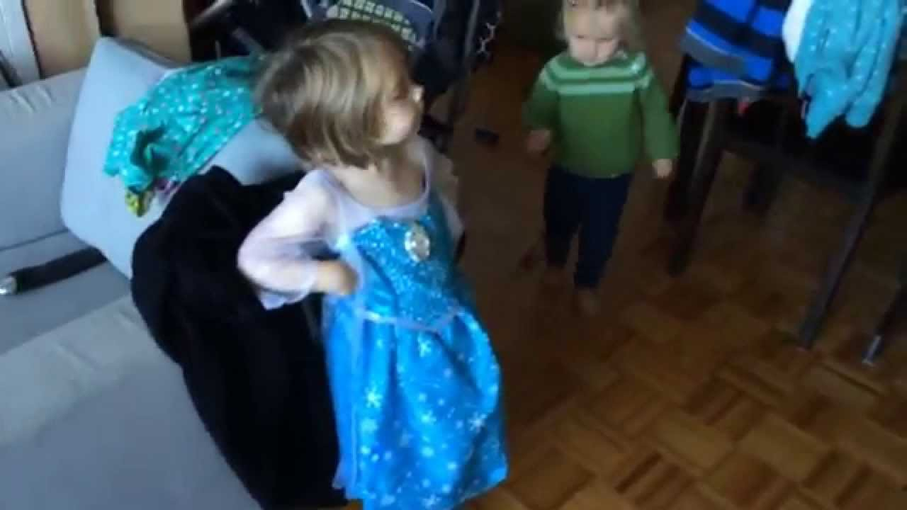 3 Year Old Gets Elsa Dress Loses Mind Youtube