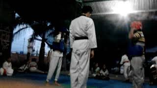 Học taekwondo quá đỉnh😀