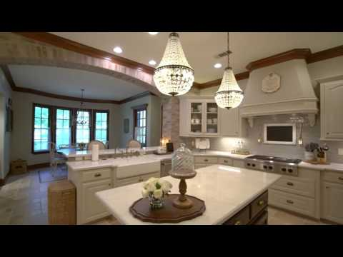 Video Tour Of 36942 Edgewater Dr, Pinehurst, TX 77362