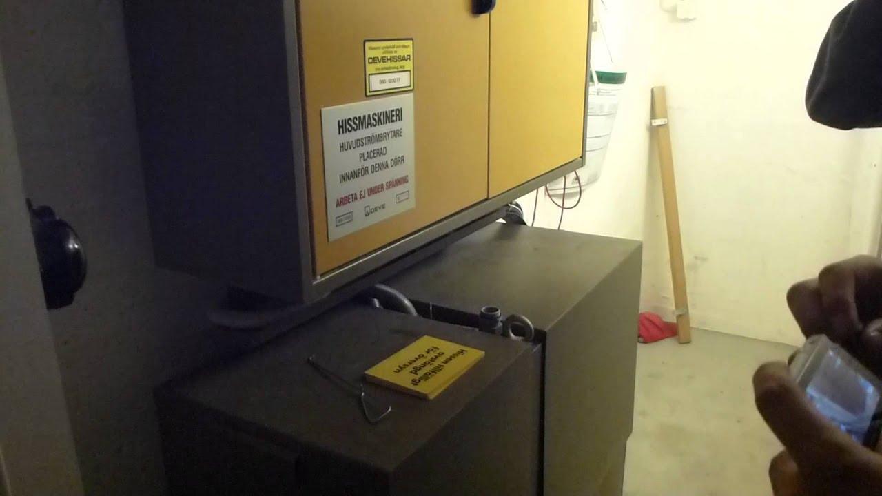 Locked Off Deve Hydraulic Elevator Amp Machine Room Heden