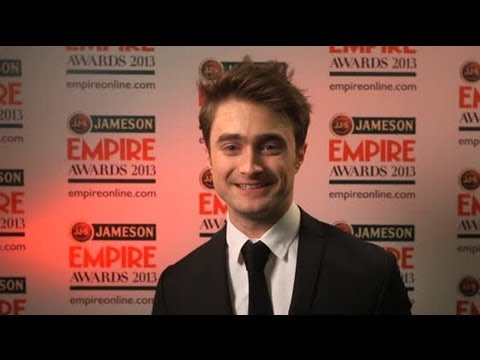 Daniel Radcliffe Prefers Dating Older Women - Splash News   Splash News TV   Splash News TV