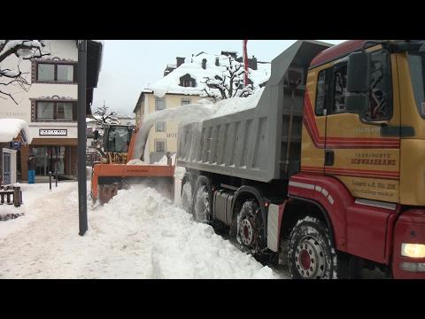 Schneeräumung in St. Anton am Arlberg