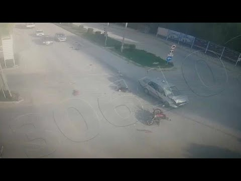 شاهد: سيارة مسرعة تصطدم بدراجة نارية عند إشارة مرور في تركيا…  - نشر قبل 3 ساعة