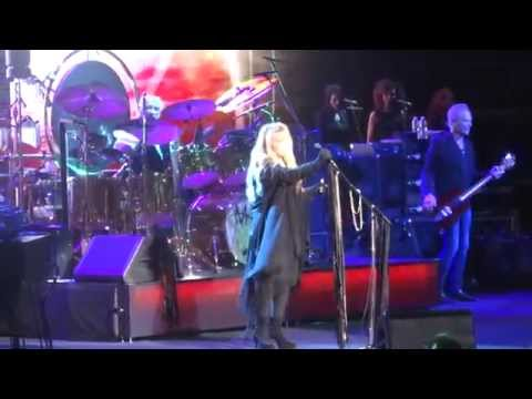 """Rhiannon"" Fleetwood Mac@Wells Fargo Center Philadelphia 10/15/14"