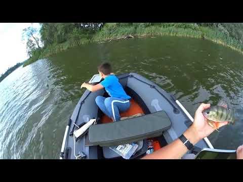 видео: Случай на рыбалке   Как сын Ipad утопил!