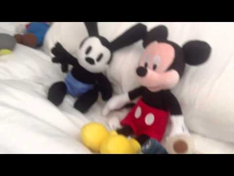 mickey mouse vs chuck e cheese pt 1 youtube. Black Bedroom Furniture Sets. Home Design Ideas