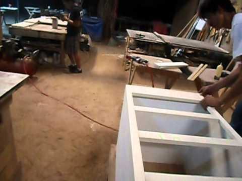Carpinter a como hacer una cajonera youtube for Como disenar una mesa