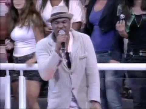 Bochecha se emociona ao cantar para Claudinho