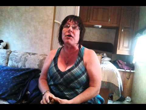 Mom boob dancing - YouTube