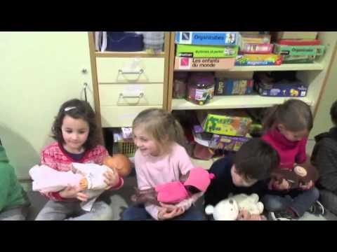 El trencanous  Jocs de nens i dansa dels pares