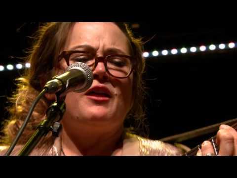 Sara Watkins - Move Me (eTown webisode #1043)