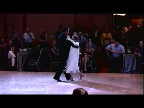 To-GaMaTo:Η 94χρονη με το πι που σαρώνει στο χορό !!!