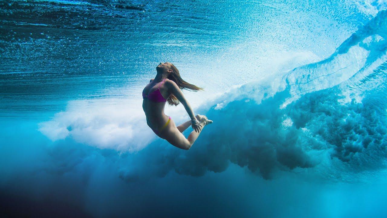 фото океан девушки