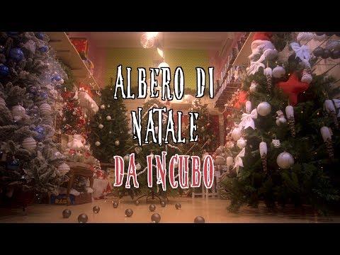 Albero di Natale da Incubo: L'albero del centro commerciale