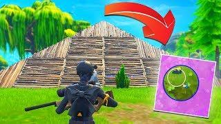 BUILDING A PYRAMID IN THE FINAL ZONE | Fortnite Battle Royale