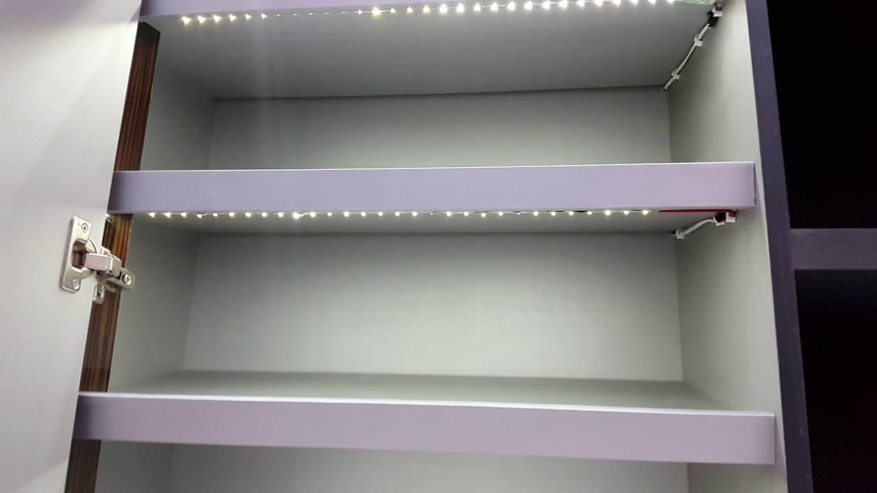 Rak sepatu lampu led otomatis youtube for Pemasangan kitchen set