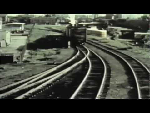 NORFOLK & WESTERN RAILROAD FAST FREIGHT ACTION!