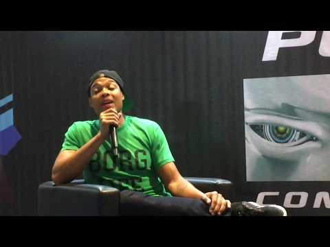 "Ray Fisher/Cyborg gives the fans a subtle ""Booyah"""