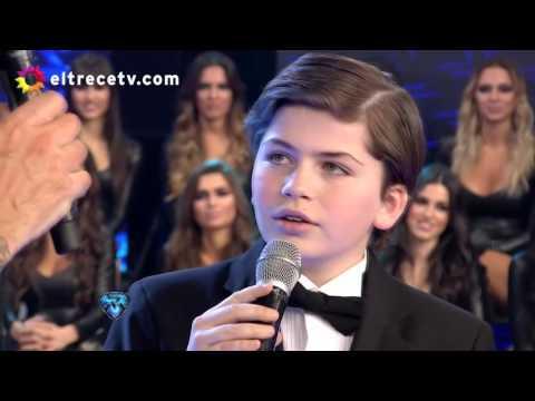 """Martín de 12 años cantó """"Caruso"""" y conmovió a todo el piso"""