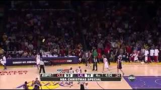 Lakers vs Cavaliers -Fans Throw Foam Fingers onto the Court on Christmas HD 12-25-09