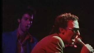 Graham Parker & The Rumour - New York Shuffle (1978 clip)