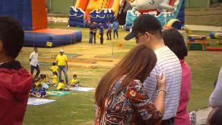 #10240, Padres tomando fotos a sus hijos [Efecto], Momentos familiares