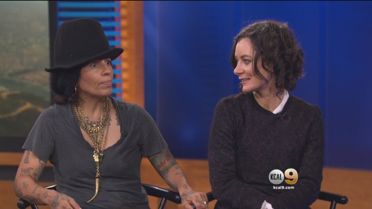 The Talk Co Host Sara Gilbert Musician Linda Perry Celebrate New Son With Al Of Lullabies You