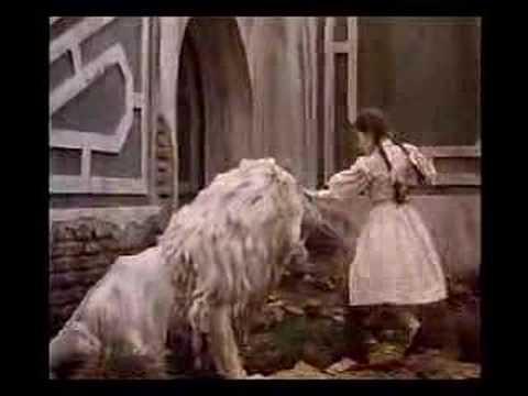 Return to Oz -trailer- películas oscuras de disney
