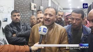 موظفو بلدية الكرك يضربون عن العمل للمطالبة بعلاوات - (25/2/2020)