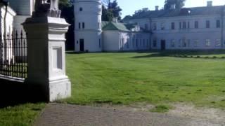 Kachanivka#Kachanіvsky Palace (Качанівський палац)(Дана споруда знаходиться в самому центрі парку. Була збудована в 1770 році в стилі класицизму. Будівельником..., 2016-07-26T06:21:25.000Z)