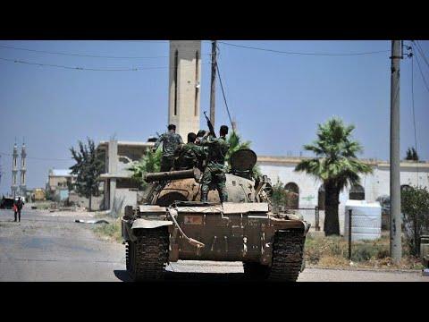 الجيش السوري يقترب من السيطرة على خان شيخون وروسيا تقول إنها لها جنودا على الأرض…  - نشر قبل 1 ساعة