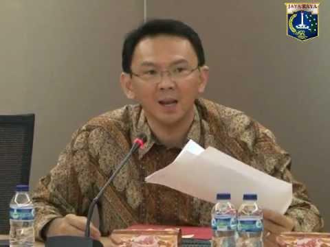 08 Nov 2012 Wagub Bpk. Basuki T. Purnama Menerima Paparan Dinas Pekerjaan Umum