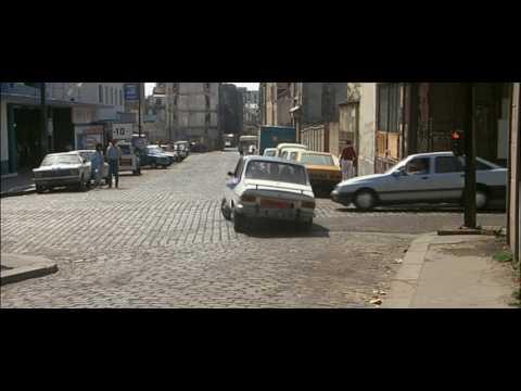Marche à l'ombre (1984) - Ça vous dérange pas la musique ?