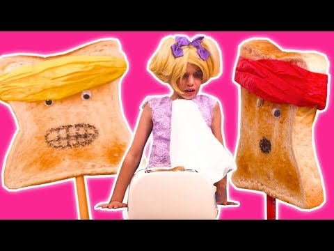ESME'S MAGIC TOASTER 🍞 Princess Transforms Into Toast! - Princesses In Real Life | Kiddyzuzaa
