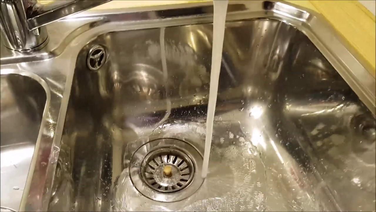 Wasserhahn tauschen. Einhebelmischer wechseln. Küchenspüle.