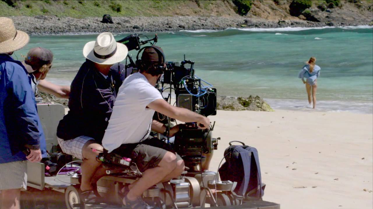 Download The Shallows: Blake Lively Behind the Scenes Movie Broll - Shark