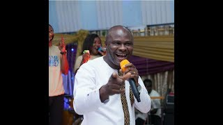 Uncle Ato inspires kumasi with a powerful worship