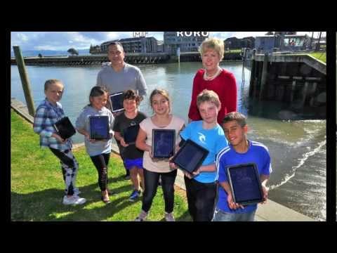 Wainui Beach School: iPad Craze Catches Crays