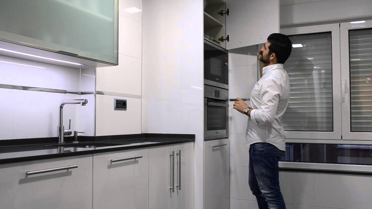Cocina blanca y marengo cocinas cjr youtube - Cocina blanca con encimera blanca ...