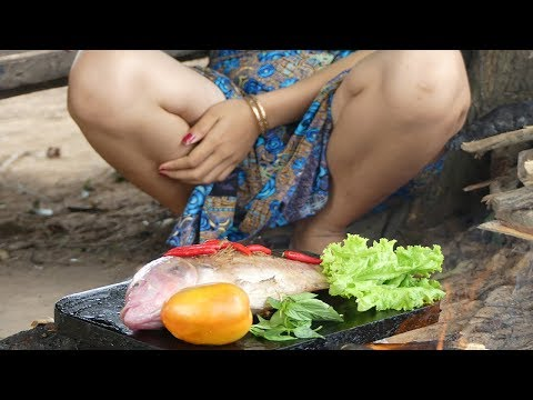 Primitive Technology - Cooking Big Cat Fish By Girl At River - Grilled Fish Eating Delicious