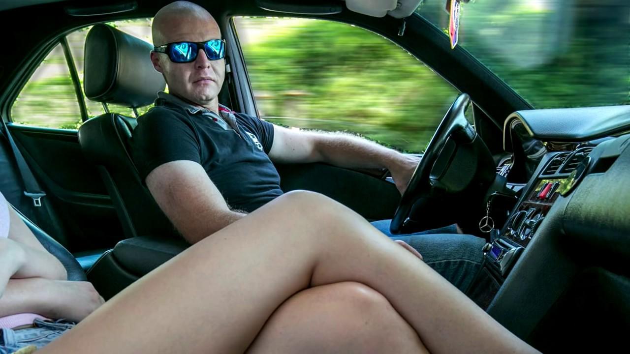 mlada i obrijana seno crtani pornići